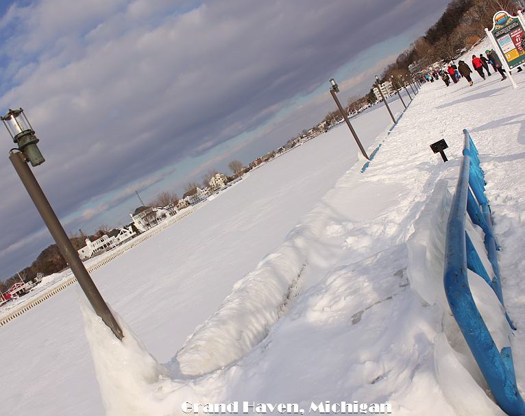 Grand Haven Michigan State Park Lake Michigan Ice February 2014  18